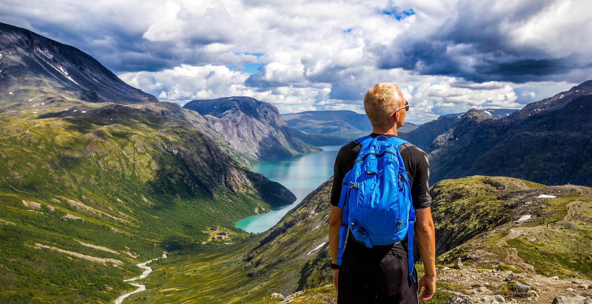 el medio ambiente es algo más que el soporte o el paisaje para el turismo